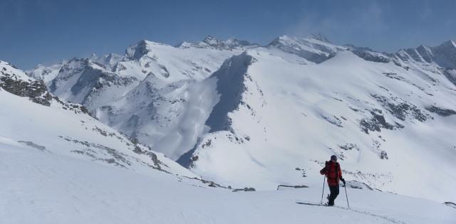 Foto: Wolfgang Lauschensky / Ski Tour / Riegelkopf – stille Alternative zum Hochgasser / Amertalerhöhe und Sillingkopf, dahinter Stubacher Sonnblick und Granatspitze / 06.04.2012 16:11:50