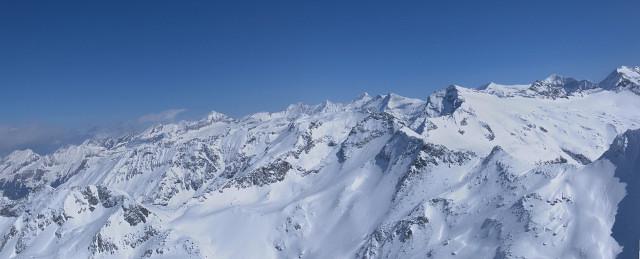 Foto: Wolfgang Lauschensky / Ski Tour / Riegelkopf – stille Alternative zum Hochgasser / Gipfelpanorama Ost / 06.04.2012 16:11:30