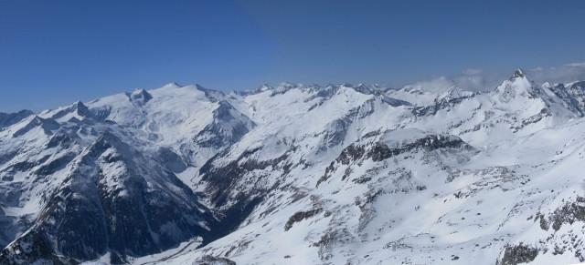 Foto: Wolfgang Lauschensky / Ski Tour / Riegelkopf – stille Alternative zum Hochgasser / Gipfelpanorama West / 06.04.2012 16:11:22