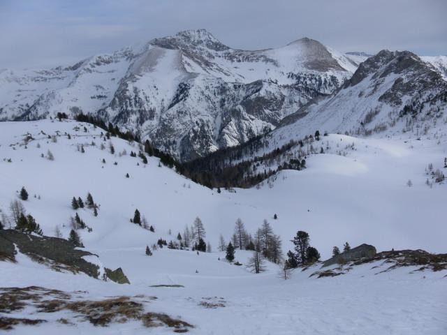 Foto: Wolfgang Lauschensky / Skitour / Lackenspitze 2459m / bisheriges Aufstiegsgelände von der Krauthackelhütte / 01.02.2012 17:06:37