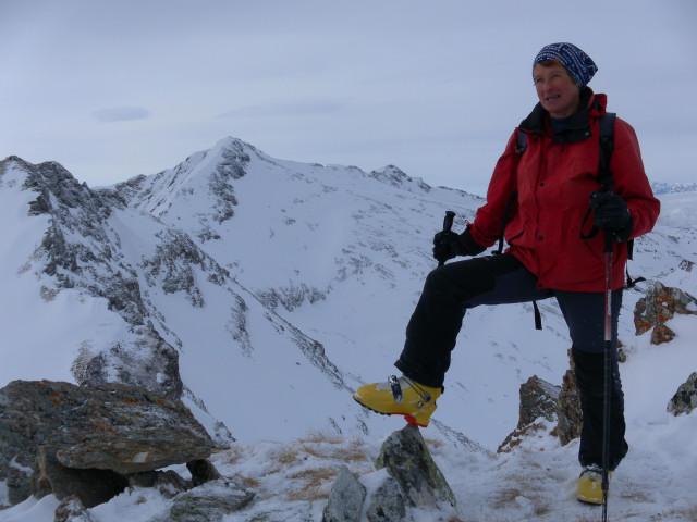 Foto: Wolfgang Lauschensky / Skitour / Lackenspitze 2459m / Lackenspitze mit Blick zur Zeppsitze und zum Schwarzeck / 01.02.2012 17:05:16