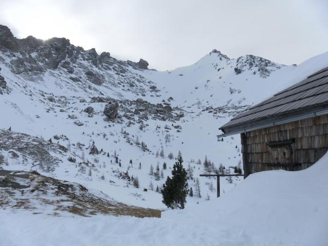 Foto: Wolfgang Lauschensky / Skitour / Lackenspitze 2459m / Rückblick zur Lackenspitze von der Krauthackelhütte / 01.02.2012 17:04:48