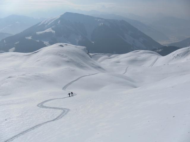 Foto: Wolfgang Lauschensky / Skitour / Scheiblingstein 2197m (hohe Variante aus dem Pyhrgasgatterl) / Rückblick über kupiertes Gelände / 23.02.2012 14:53:59