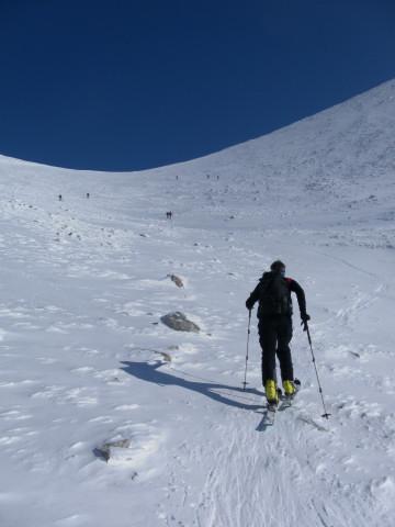 Foto: Wolfgang Lauschensky / Skitour / Scheiblingstein 2197m (hohe Variante aus dem Pyhrgasgatterl) / in der Gipfelmulde / 23.02.2012 14:50:42