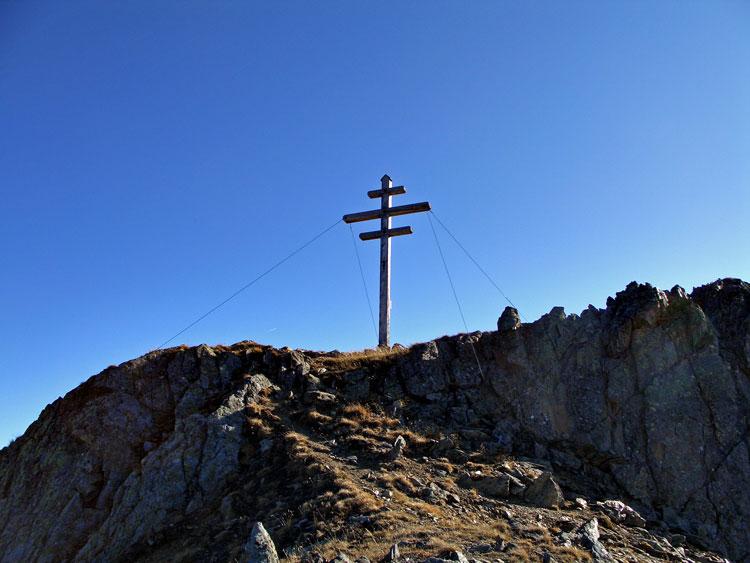 Foto: vince 51 / Wandertour / Von Rojen auf den Zehnerkopf / Gipfelkreuz Zehnerkopf / 13.04.2012 22:08:18
