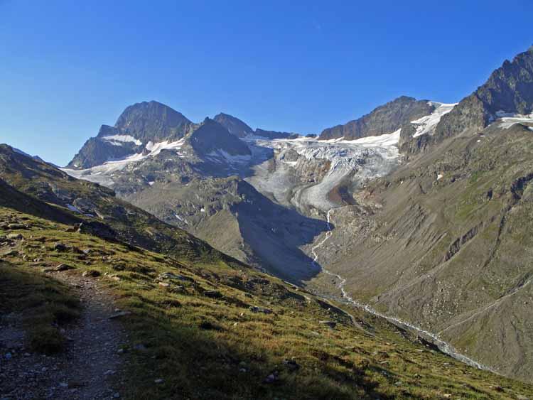 Foto: vince 51 / Wandertour / Von der Bielerhöhe auf den Vermuntkopf  / Piz Buin Und Ochsentaler Gletscher / 04.05.2012 21:55:25