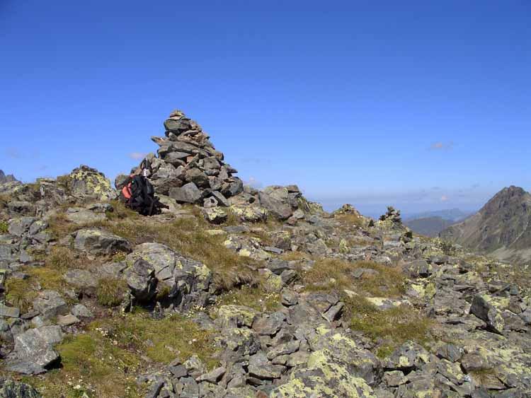 Foto: vince 51 / Wandertour / Von der Bielerhöhe auf den Vermuntkopf  / der Gipfelsteinmann / 04.05.2012 21:49:56