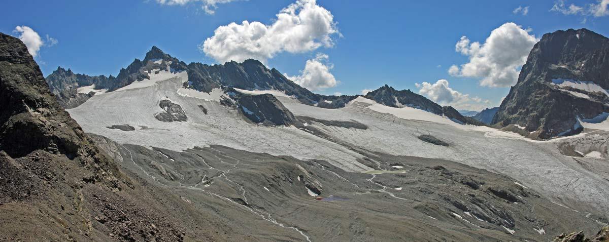 Foto: vince 51 / Wandertour / Von der Bielerhöhe auf den Vermuntkopf  / Dreiländerspitze, Vermuntgletscher und Piz Buin / 04.05.2012 21:47:17
