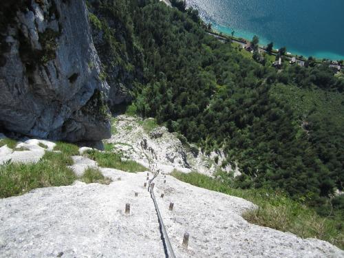 """Foto: hofchri / Klettersteigtour / Mahdlgupf (1.261 m) über """"Attersee-Klettersteig"""" / Eisenweg Made by Outdoor Leadership / 26.06.2012 21:34:21"""