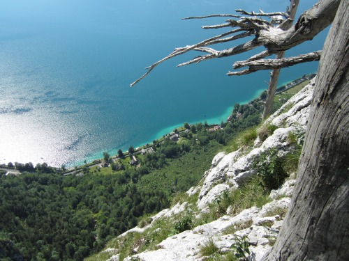 """Foto: hofchri / Klettersteigtour / Mahdlgupf (1.261 m) über """"Attersee-Klettersteig"""" / traumhafte Kulisse mit viel Kontrast / 26.06.2012 21:35:10"""