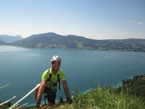 """Foto: hofchri / Klettersteigtour / Mahdlgupf (1.261 m) über """"Attersee-Klettersteig"""" / tolles Panorama von Beginn an - Abschnitt Lärche / 26.06.2012 19:54:52"""