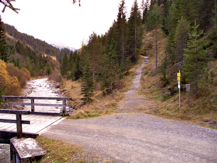 Foto: vince 51 / Wandertour / Reuttener Höhenweg / Beginn des Steigs in Rinnen-Rauth / 11.07.2012 22:36:54