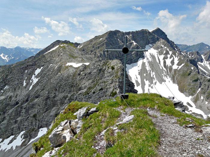 Foto: vince 51 / Wandertour / Reuttener Höhenweg / Blick von der Vorderen Steinkarspitze zur Knittelkarspitze / 11.07.2012 22:17:43