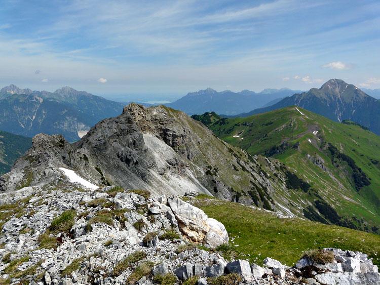 Foto: vince 51 / Wandertour / Reuttener Höhenweg / Vordere Steinkarspitze / 11.07.2012 22:14:40