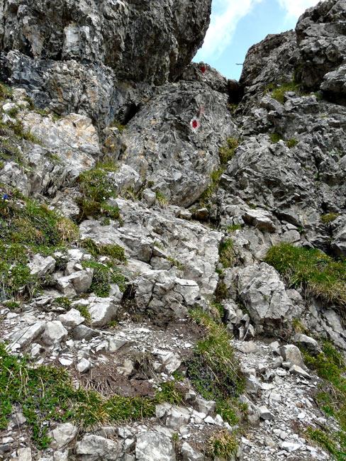 Foto: vince 51 / Wandertour / Reuttener Höhenweg / Der Kamin unterhalb der Leiter / 11.07.2012 22:12:19