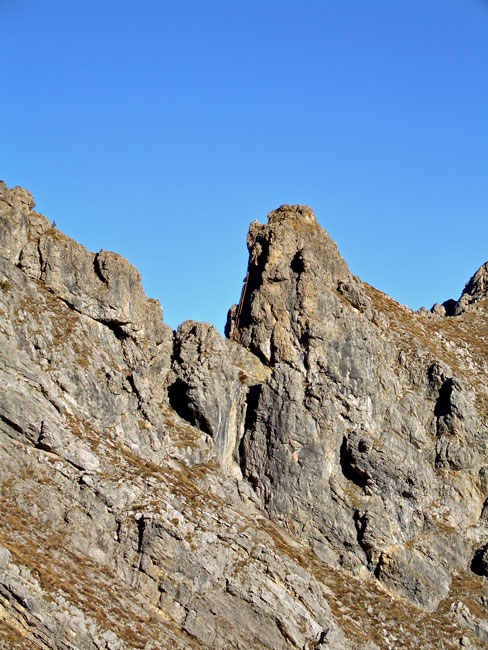 Foto: vince 51 / Wandertour / Reuttener Höhenweg / Der Felsturm mit der Leiter / 11.07.2012 22:09:49