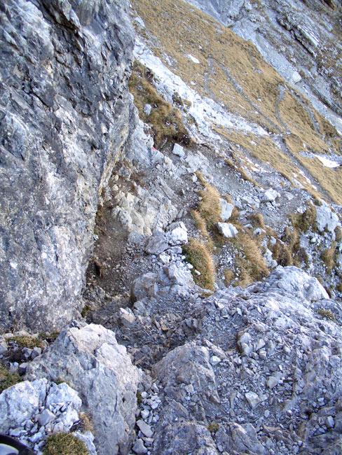 Foto: vince 51 / Wandertour / Reuttener Höhenweg / Abstieg von der Knittelkarspitze / 11.07.2012 21:59:13