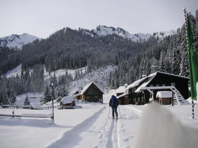 Foto: Wolfgang Lauschensky / Ski Tour / Riesnerkrispen über Mörsbachtal / Vordere Mörsbachalm / 23.12.2012 16:08:19