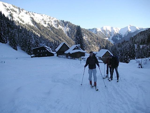 Foto: Wolfgang Lauschensky / Ski Tour / Riesnerkrispen über Mörsbachtal / oberhalb der Mörsbachhütte / 23.12.2012 16:08:02