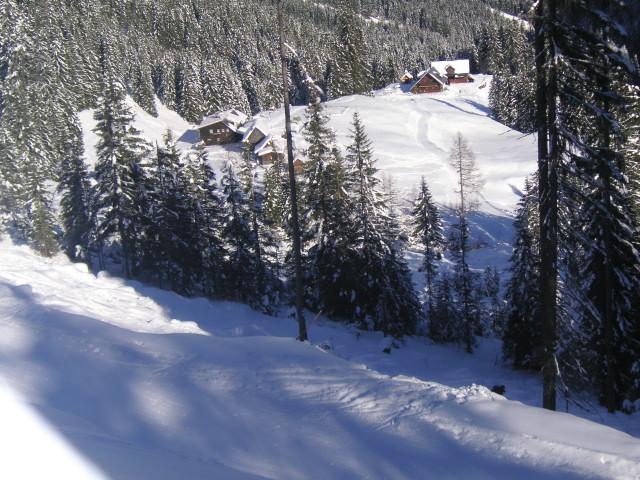 Foto: Wolfgang Lauschensky / Ski Tour / Riesnerkrispen über Mörsbachtal / Westhang des Riesnerkrispen mit Blick zur Mörsbachhütte und zum Mörsbachwirt / 23.12.2012 16:07:50