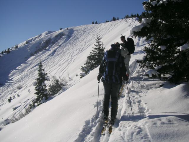 Foto: Wolfgang Lauschensky / Ski Tour / Riesnerkrispen über Mörsbachtal / am Kamm zum Vorgipfel 'Hochstand' / 23.12.2012 16:07:32