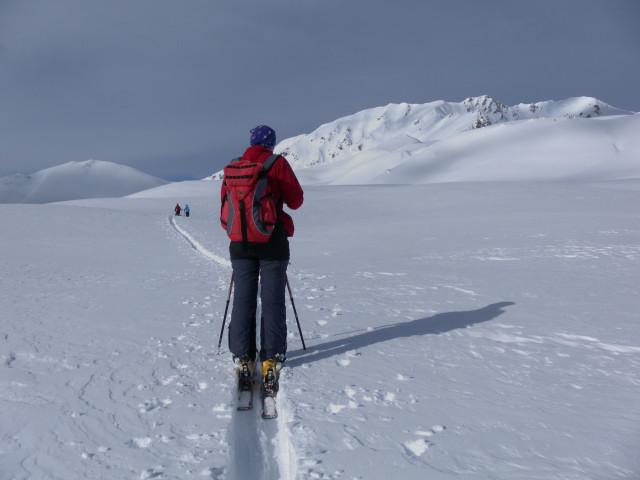 Foto: Wolfgang Lauschensky / Skitour / Mislkopf über Mislböden    / über dem Wetterkreuz: links Hirschstein, rechts Mislkopf und Pfoner Kreuzjöchl / 19.02.2013 18:01:08