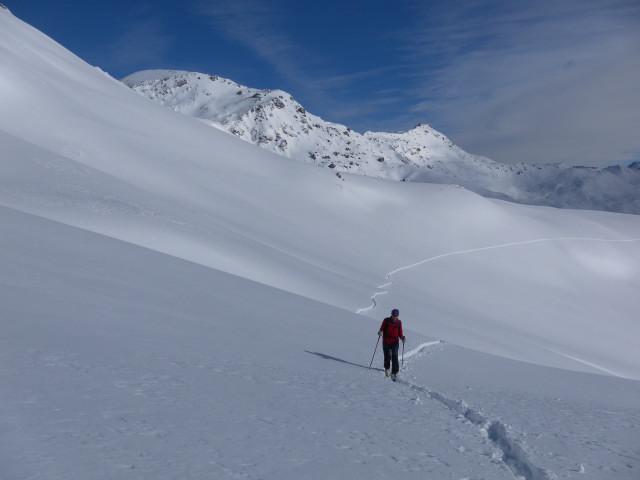 Foto: Wolfgang Lauschensky / Skitour / Mislkopf über Mislböden    / Grafmartspitze und Naviser Sonnenspitze / 19.02.2013 18:00:50