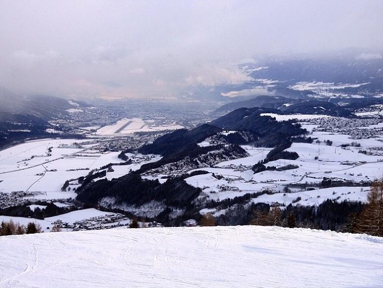 Foto: Andreas Koller / Skitour / Lawinensicher aufs Rangger Köpfl (1939m) / Blick von Stiglreith nach Innsbruck / 22.02.2013 22:14:28
