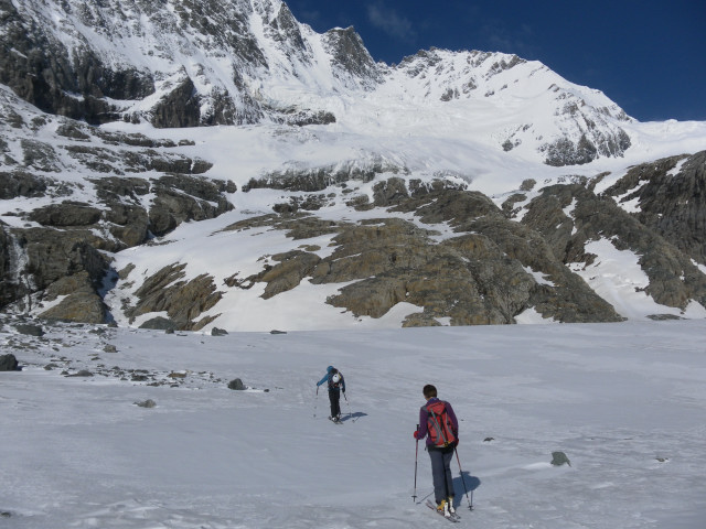Foto: Wolfgang Lauschensky / Skitour / Kleiner Burgstall (2709m bzw.  2718m) / Mulde vor der Rinne / 25.05.2013 10:44:56