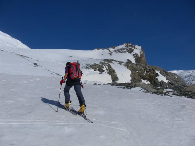 Foto: Wolfgang Lauschensky / Skitour / Kleiner Burgstall (2709m bzw.  2718m) / Gipfelaufsatz des Kleinen Burgstalls / 25.05.2013 10:44:23
