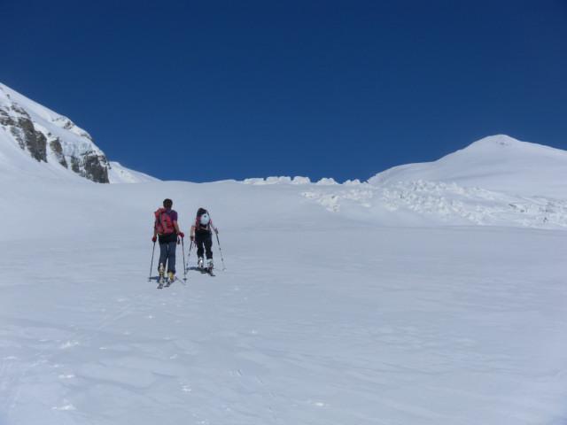 Foto: Wolfgang Lauschensky / Skitour / Ödenwinkelschartenkopf  (3261m) / flacher Zustieg zum Schneewinkel / 25.05.2013 11:28:33