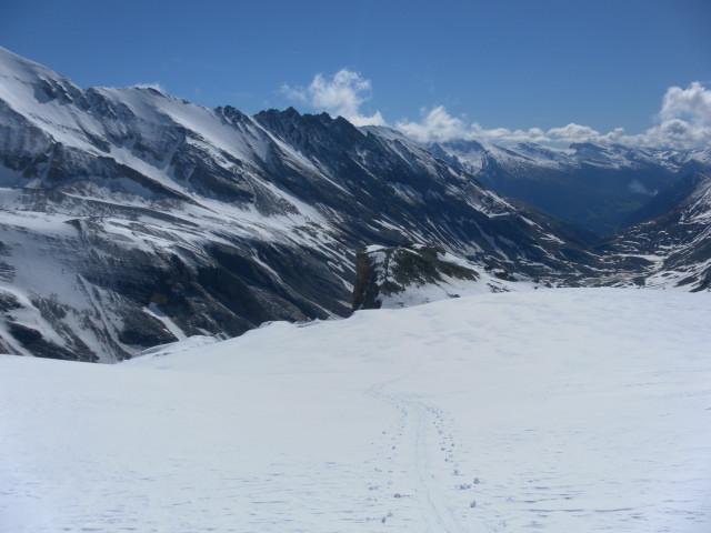 Foto: Wolfgang Lauschensky / Skitour / Ödenwinkelschartenkopf  (3261m) / Rückblick aus dem Schneewinkel / 25.05.2013 11:28:25