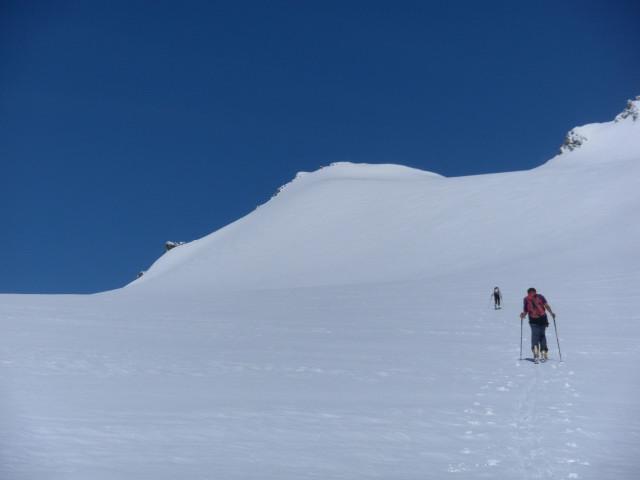 Foto: Wolfgang Lauschensky / Skitour / Ödenwinkelschartenkopf  (3261m) / Südhänge des Johannisberges, frontal der Ödenwinkelschartenkopf / 25.05.2013 11:28:06