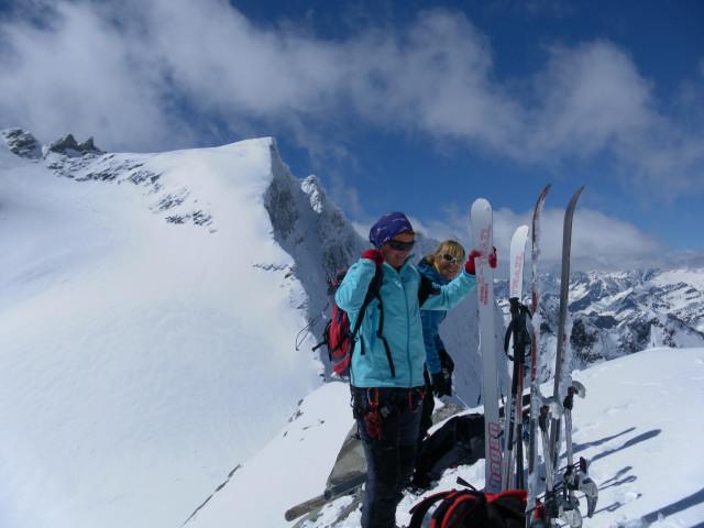 Foto: Wolfgang Lauschensky / Skitour / Ödenwinkelschartenkopf  (3261m) / Eiskögele vom Gipfel des Ödenwinkelschartenkopfes / 25.05.2013 11:27:21