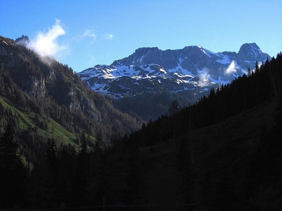 Foto: Andreas Koller / Ski Tour / Jägerspitze aus dem Riedingtal (2508m) / Im Riedingtal / 31.05.2013 15:15:54