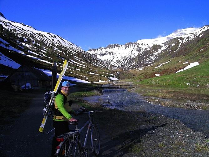 Foto: Andreas Koller / Ski Tour / Jägerspitze aus dem Riedingtal (2508m) / 31.05.2013 15:14:05