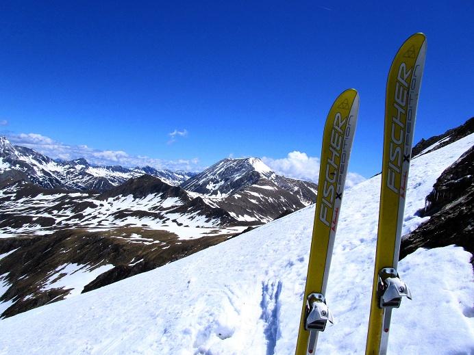 Foto: Andreas Koller / Ski Tour / Jägerspitze aus dem Riedingtal (2508m) / Zurück beim Skidepot / 31.05.2013 15:02:37