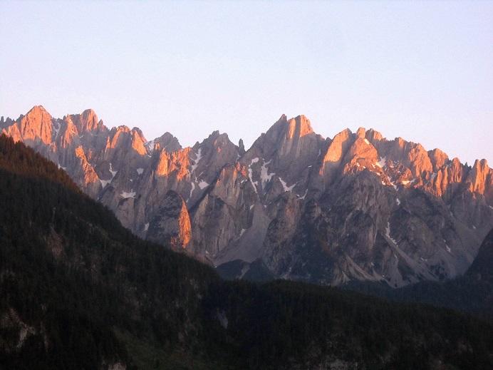 Foto: Andreas Koller / Klettersteigtour / Intersport Klettersteig Donnerkogel (2054m) / Abendrot am Gosaukamm / 12.07.2013 16:23:03
