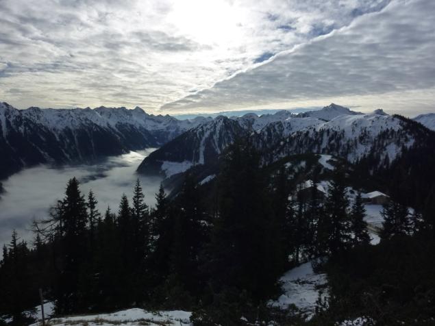 Foto: Manfred Karl / Skitour / Frühwinterskitour Hochwurzen / Ausblick von der Hochwurzen in die Schladminger Tauern / 26.11.2013 20:51:17