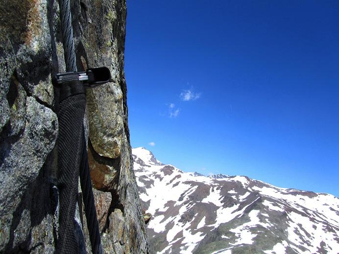Foto: Andreas Koller / Klettersteigtour / Klettersteig Graue Wand (3202m) / Senkrechte Schlüsselstelle / 23.12.2013 03:00:19