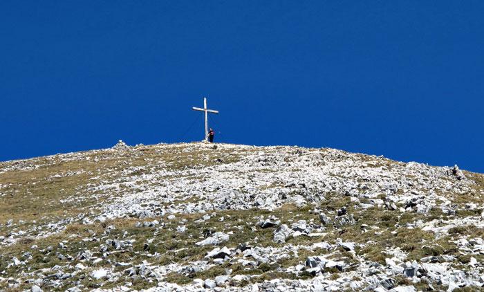 Foto: vince 51 / Wandertour / Von Grän auf das Brentenjoch / Gipfelkreuz / 14.04.2014 21:37:56