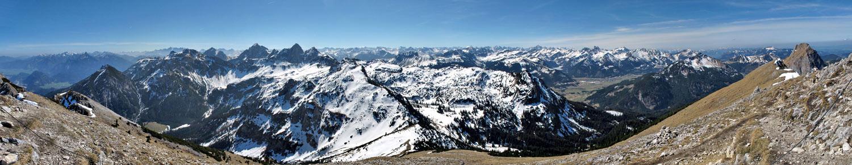 Foto: vince 51 / Wandertour / Von Grän auf das Brentenjoch / Süd-Panorama / 14.04.2014 21:37:01