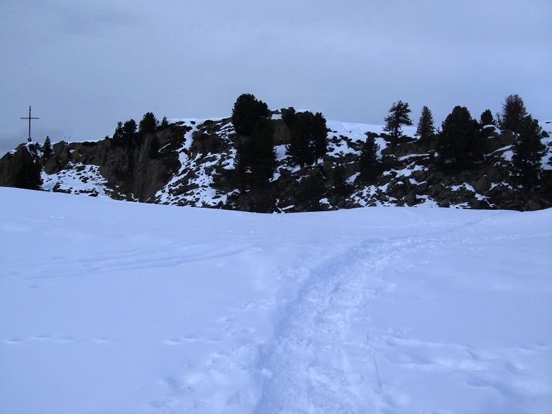 Foto: Andreas Koller / Schneeschuhtour / Panoramaloge Faltegartenkögele (2184m) / Der Gipfel ist in Sicht / 03.05.2014 01:03:49