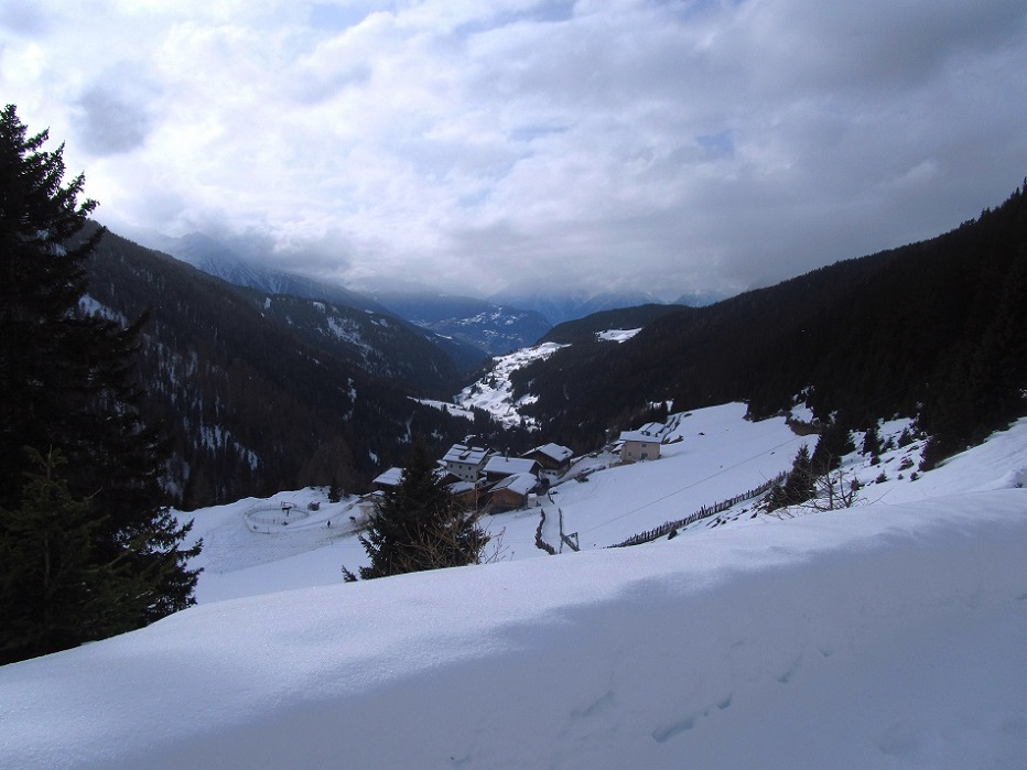 Foto: Andreas Koller / Schneeschuhtour / Panoramaloge Faltegartenkögele (2184m) / Rückkehr zum Gh Marlstein / 03.05.2014 00:58:57