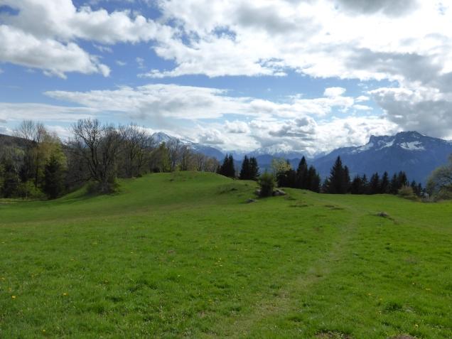 Foto: Manfred Karl / Wandertour / Durch die Glasenbachklamm auf den Rauchenbühel / Blick zu den Berchtesgadener Bergen / 19.05.2014 19:48:15