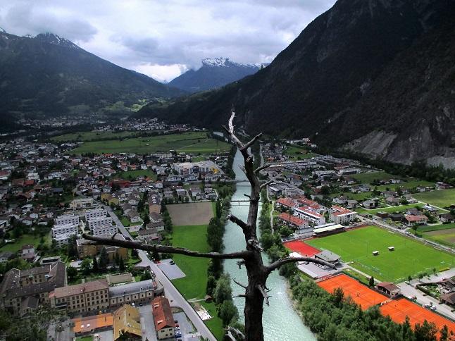 Klettersteig Zams : Burgruine kronburg bei zams