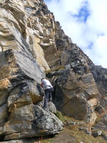 Foto: Wolfgang Lauschensky / Klettersteigtour / Tschenglser Hochwand 3375m Verlängerung des Südwandklettersteigs / erste kurze Platte / 11.10.2014 18:10:05