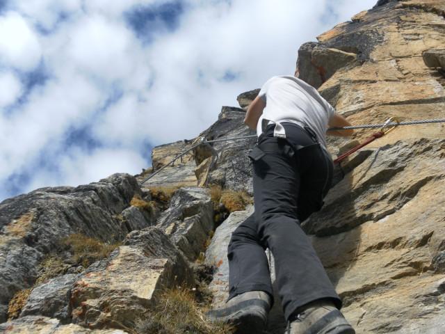 Foto: Wolfgang Lauschensky / Klettersteigtour / Tschenglser Hochwand 3375m Verlängerung des Südwandklettersteigs / Querung / 11.10.2014 18:09:42