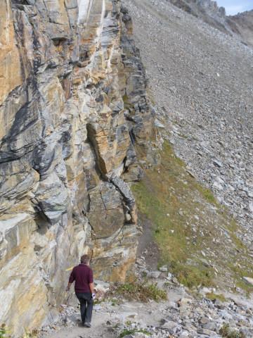 Foto: Wolfgang Lauschensky / Klettersteigtour / Tschenglser Hochwand 3375m Verlängerung des Südwandklettersteigs / Einstiegsverhältnisse vom Normalabstieg gesehen / 11.10.2014 18:08:52