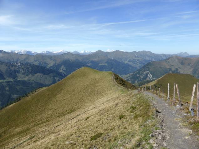 Foto: Manfred Karl / Wandertour / Gipfelreigen rund um die Karteisalm / Abstieg vom Kreuzeck / 08.12.2014 19:38:47